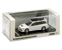 Inno64 Mitsubishi Evo 9 Wagon White with roof cargo box and extra wheels